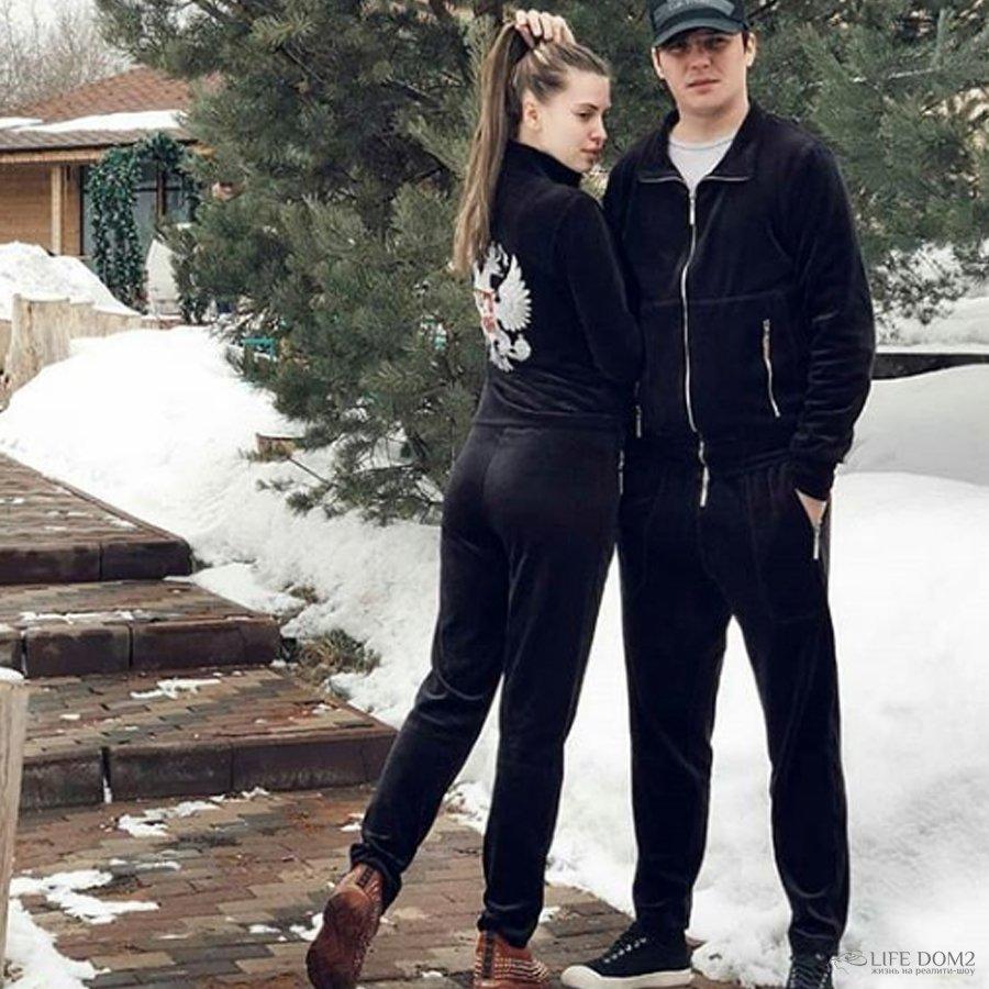 Евгений Кузин намекнул на беременность своей супруги – Александры Артемовой
