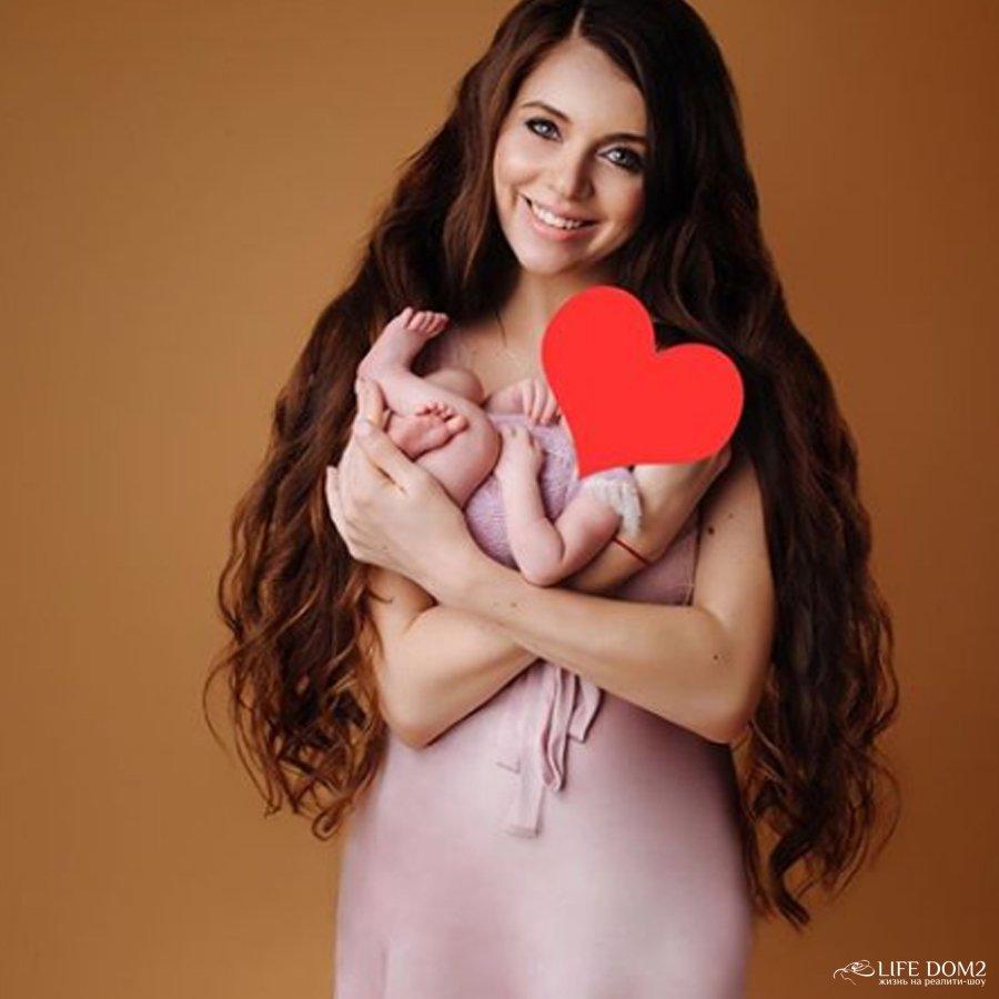 Ольга Рапунцель смогла убедить своих хейтеров в том, что она действительно стала мамой