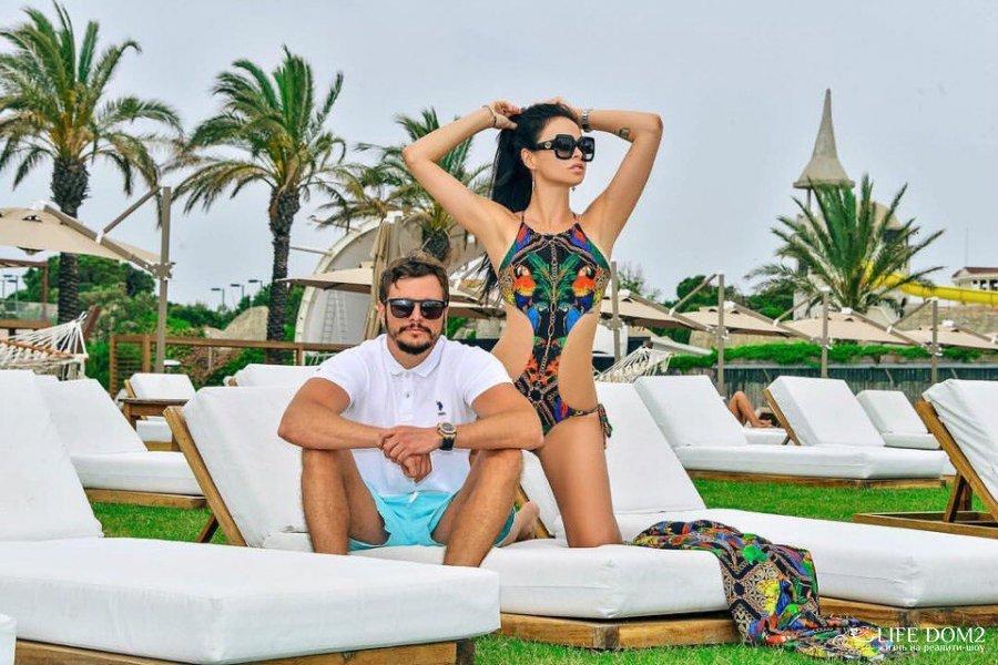 Красивая фотосессия Виктории Романец и Антона Гусева