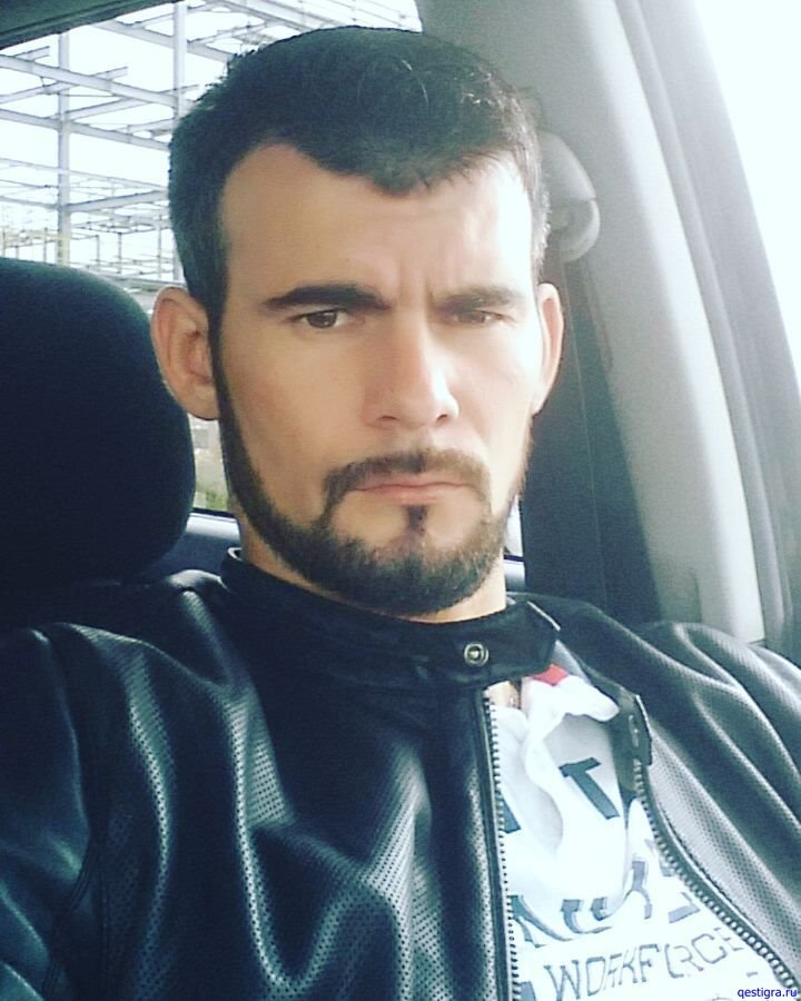 У Андрея Зубенко нет проблем с девушками, потому что он байкер