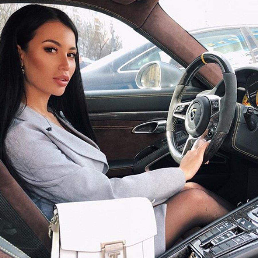 Лиллия Четрару нашла себе состоятельного ухажера вместо Сергея Захарьяша