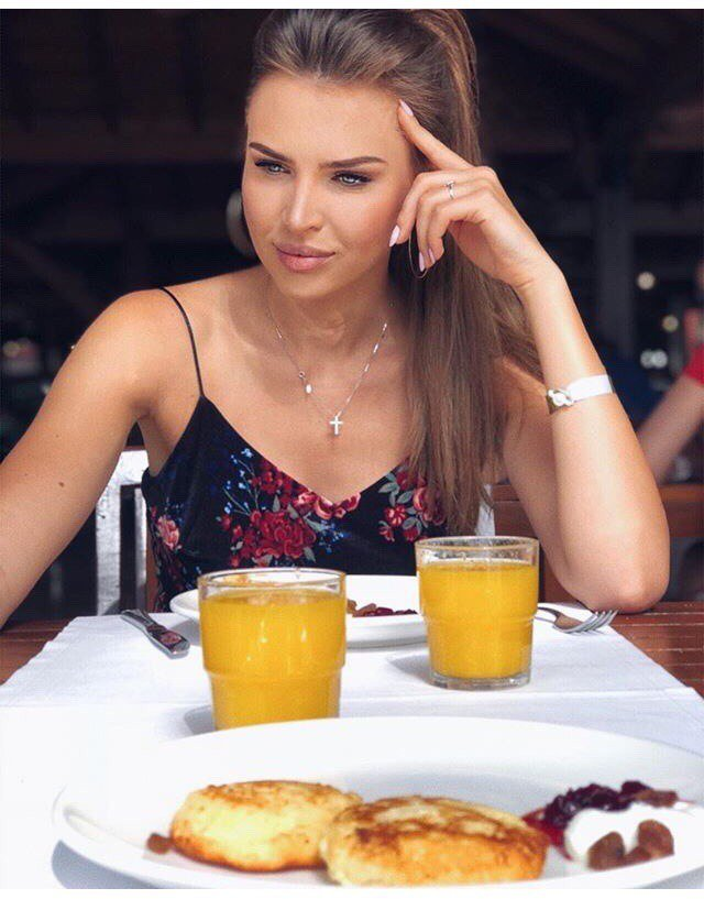 Элла Суханова на отдыхе столкнулась с проблемой