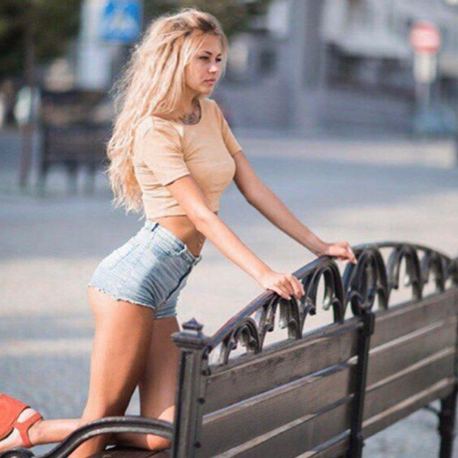 В сети появились слухи о нестандартной ориентации Елены Хроминой