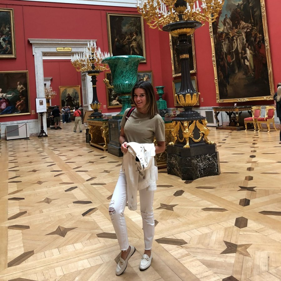 Ксения Бородина путешествует вместе со своими подписчиками