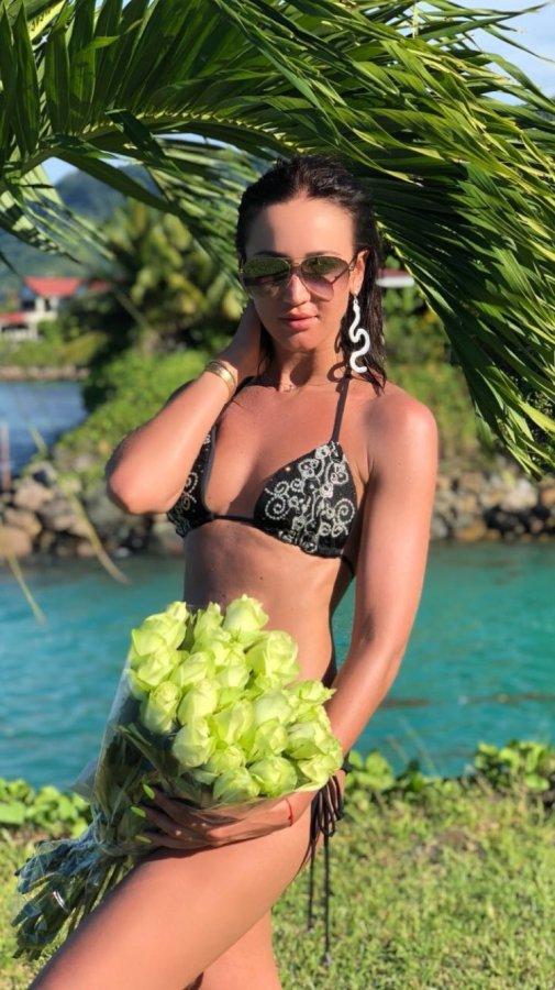Фотоподборка несравненной Ольги Бузовой с «Острова любви»