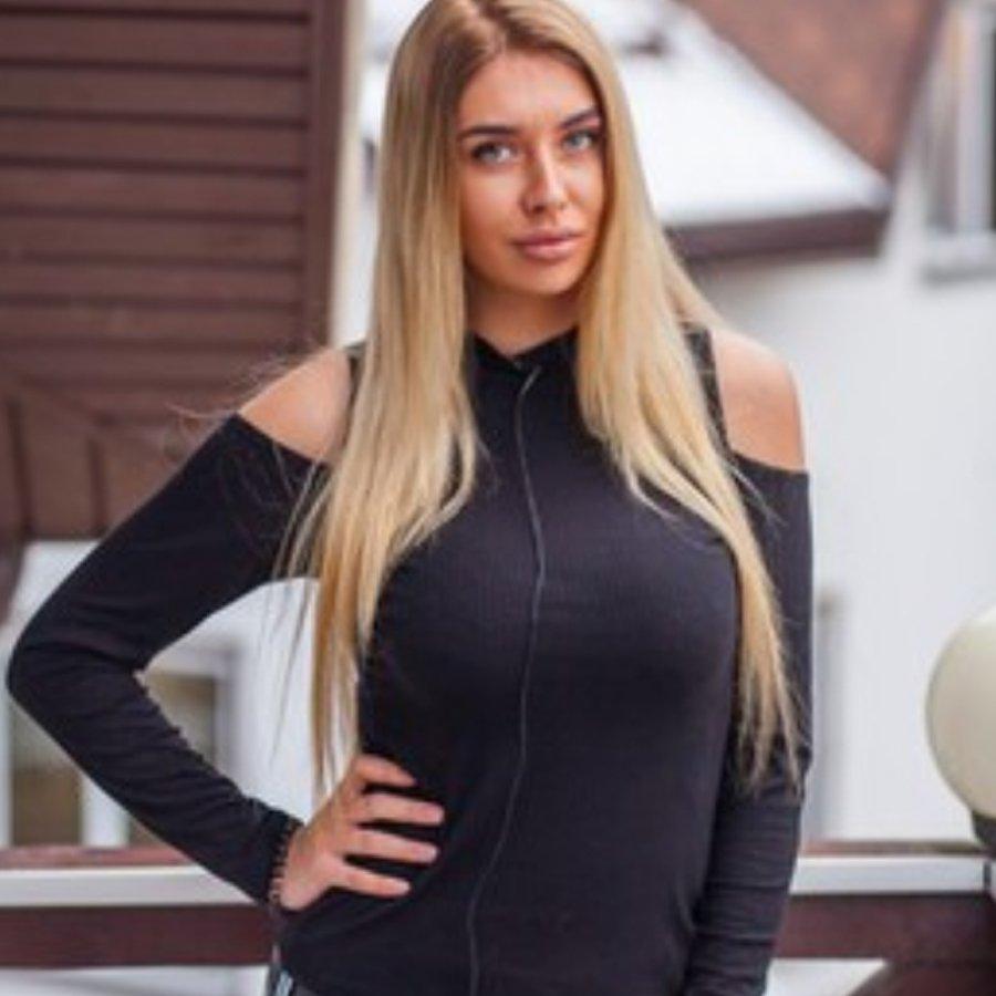 Стало известно, что Татьяна Мусульбес скрывала под своими волосами