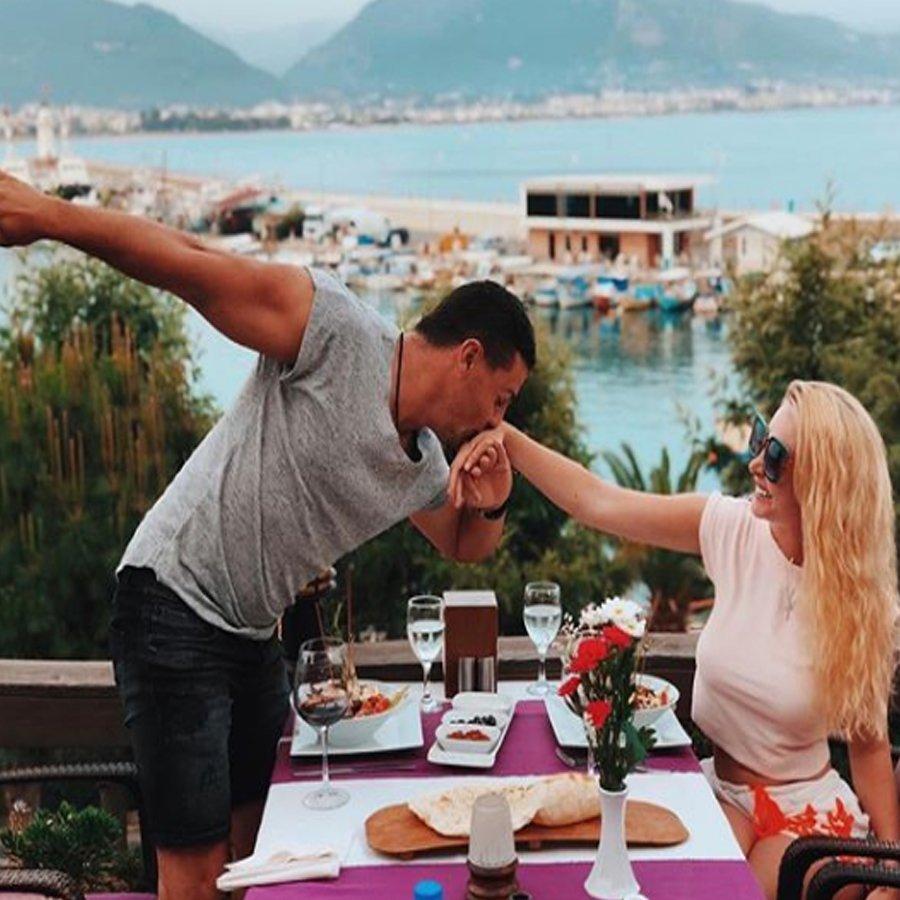 Елена Миро посоветовала Сергею Пынзарю вести себя жестче со своей супругой