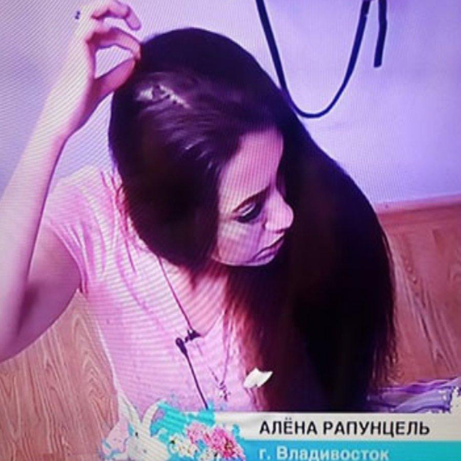 Алена Савкина вызвала отвращение своими действиями в одном из недавних эфиров