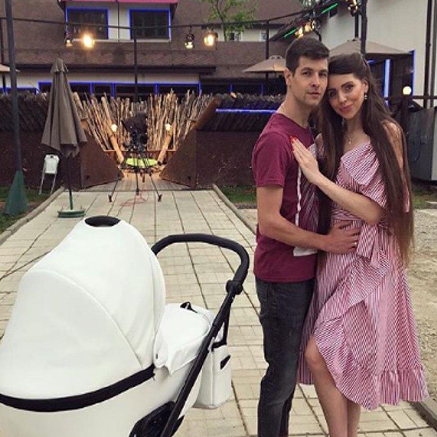 Некоторые поклонники уверены, что Ольга Рапунцель «засветила» лицо своей дочери