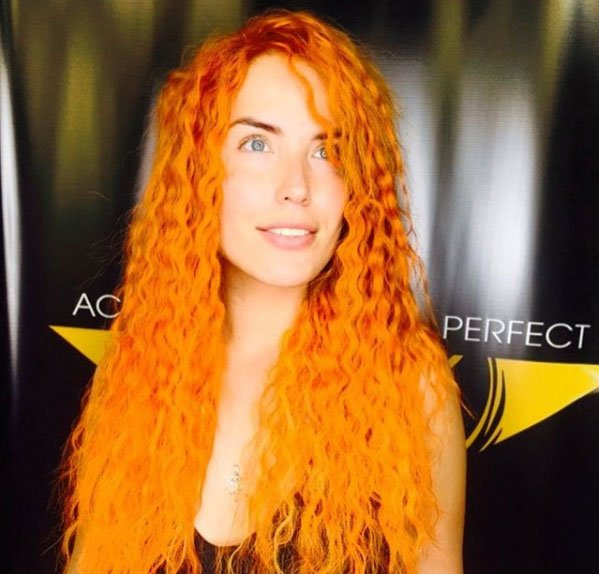 Фанаты Оксаны Ряски поздравляют её в возвращении на телепроект «Дом 2»