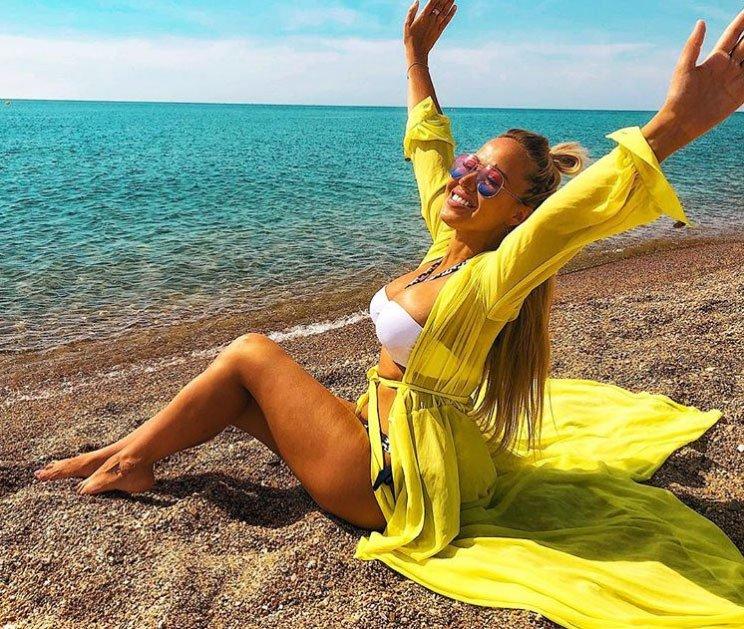 Маша Кохно продолжает шикарно отдыхать в Испании