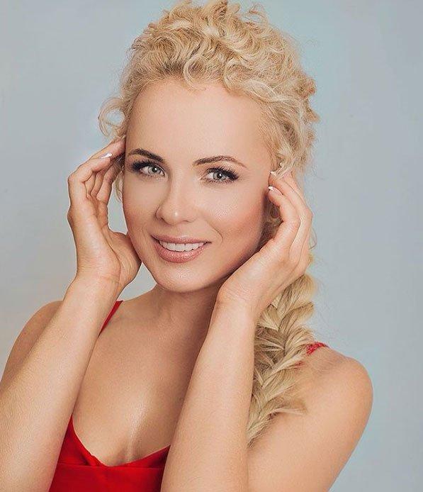 Александра Харитонова показала, как выглядит ухоженная женщина