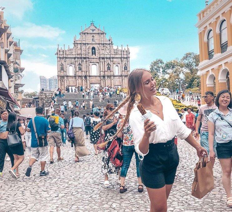 Лиза Полыгалова наслаждается путешествием по Китаю вместе с любимым