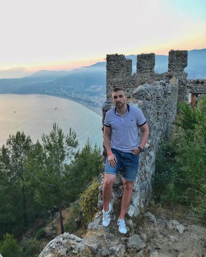 Экс-участник «Дом 2» Игорь Трегубенко на отдыхе в солнечной Турции