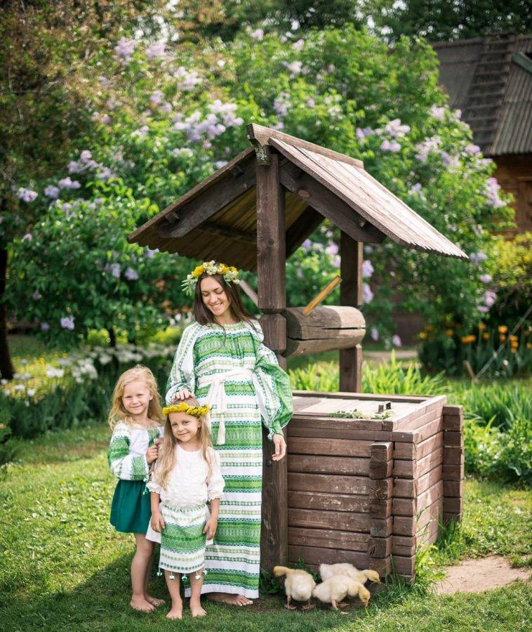 Красивая фотосессия Марии Адоевцевой с дочками Варей и Лизой