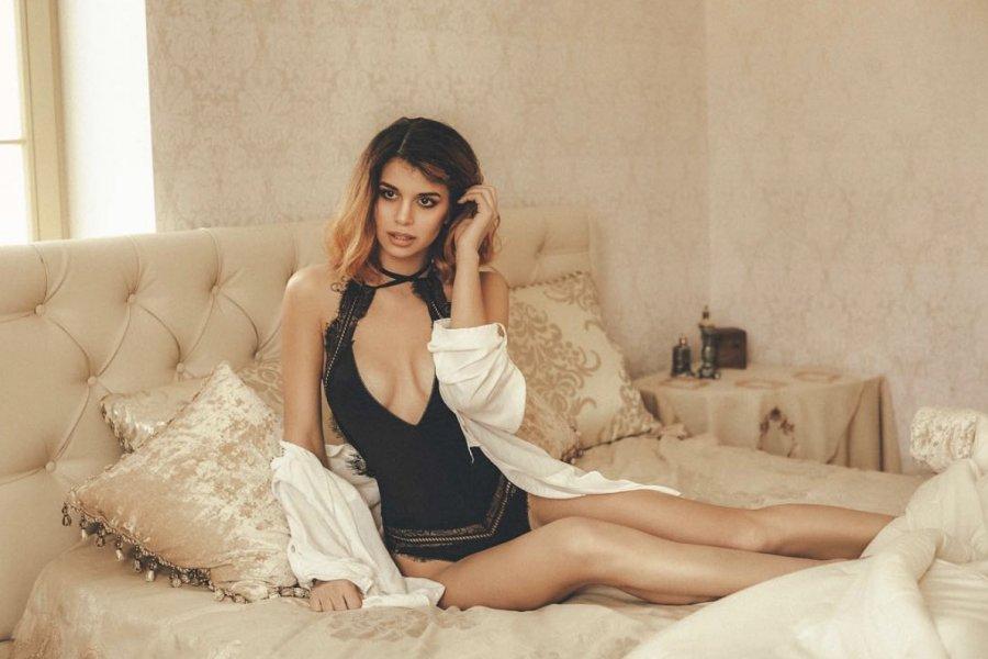 Соблазнительная фотосессия милой экс-участницы «Дом 2» Алианы Устиненко