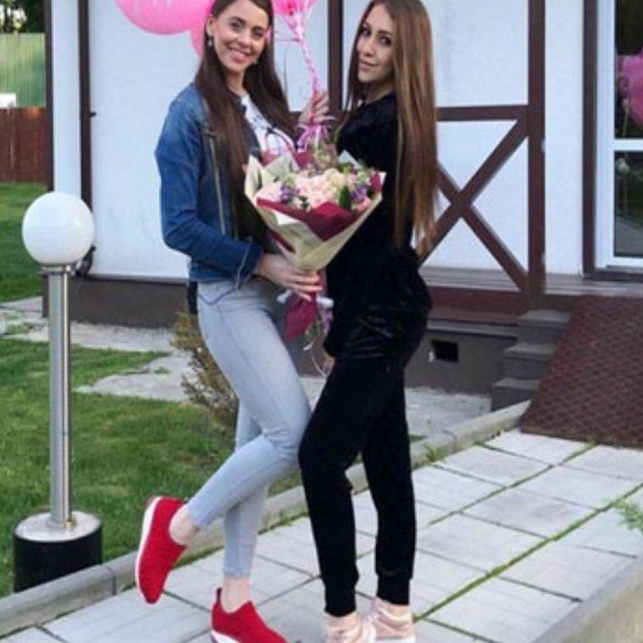 Ольга Рапунцель высказала свое мнение о беременности сестры