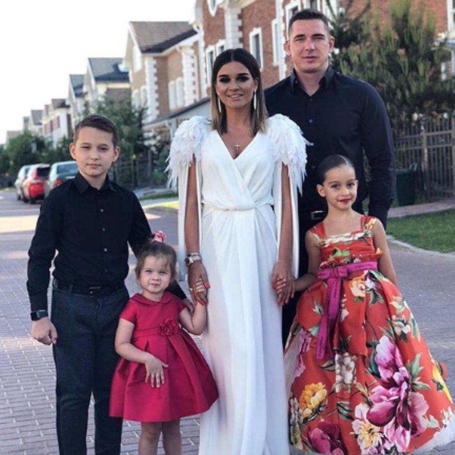 В сети появились слухи о серьезном конфликте в семье Ксении Бородиной и Курбана Омарова