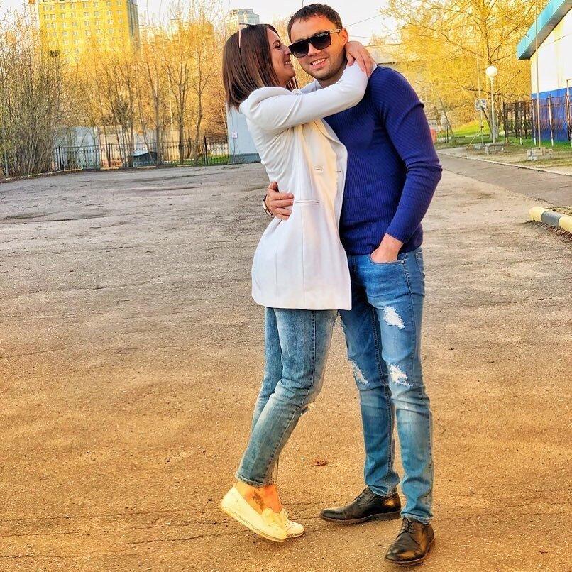 Саша Габозов использовал Олю Жарикову