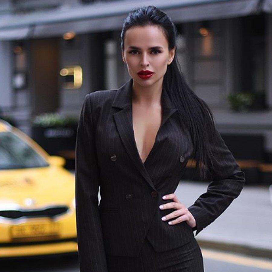 Благодаря случайным кадрам в сети развенчали миф о богатстве Виктории Романец и Антона Гусева