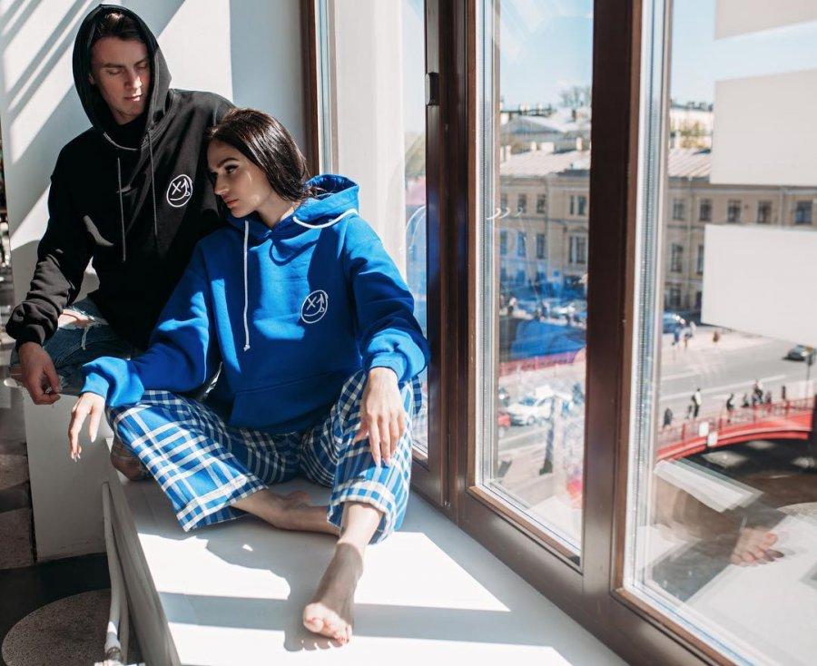 Фотосессия Алёны Водонаевой и Алексея Косинуса новой линейки одежды «Восьмая сфера»