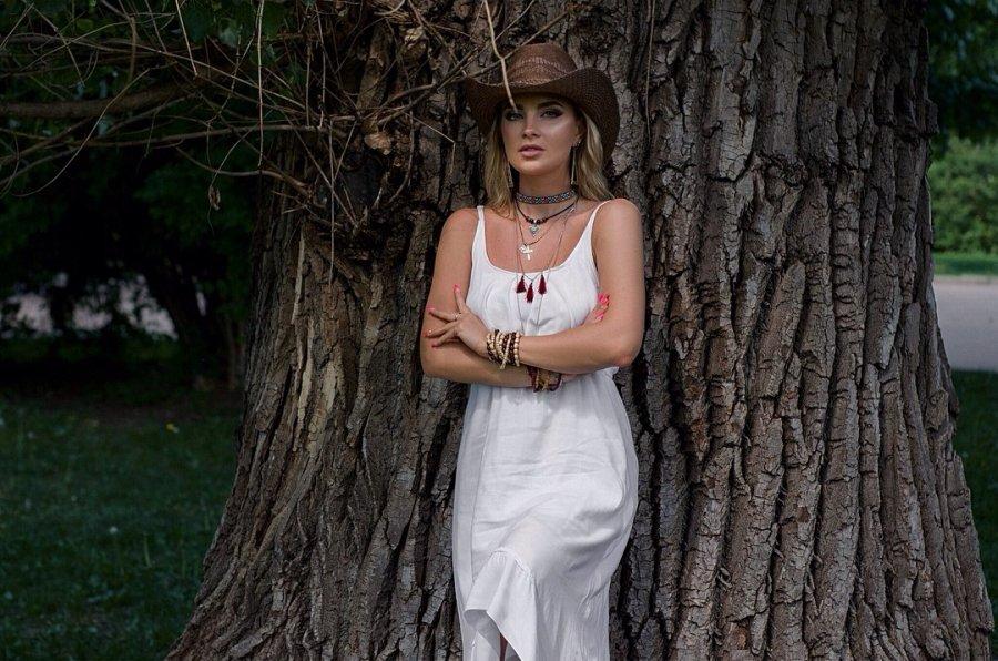 Фотосессия милой экс-участницы «Дом 2» Кристины Ослиной