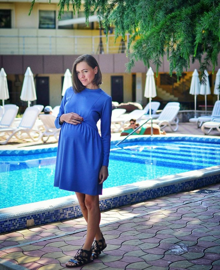 Беременная Мария Адоевцева вместе с мужем на отдыхе в Анапе