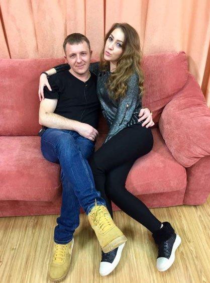 Алена Савкина и Илья Яббаров старательно работают на проекте