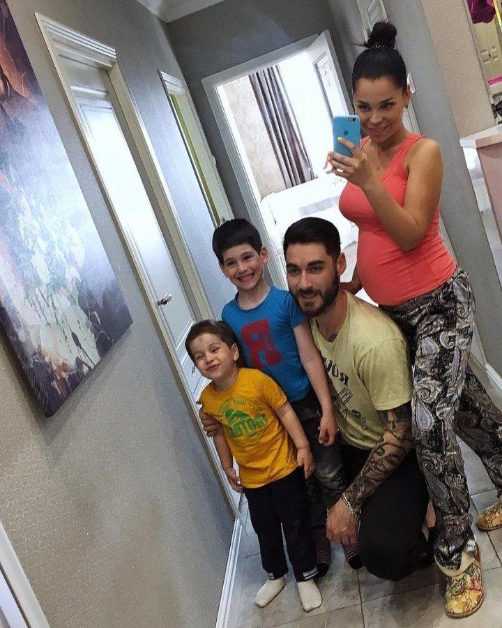 Юля Салибекова призналась, что наказывает своих детей