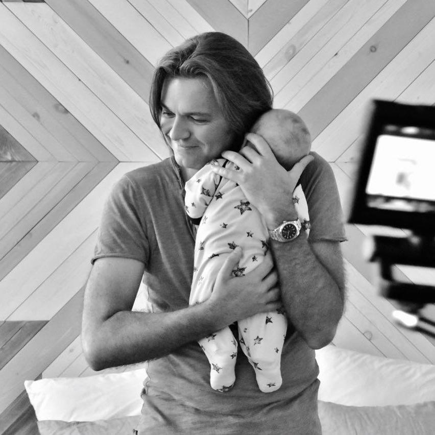 Маликов показал трогательное фото с сыном