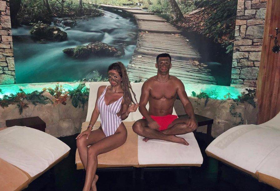 Фолловеры в восторге от новой девушки Вани Барзикова