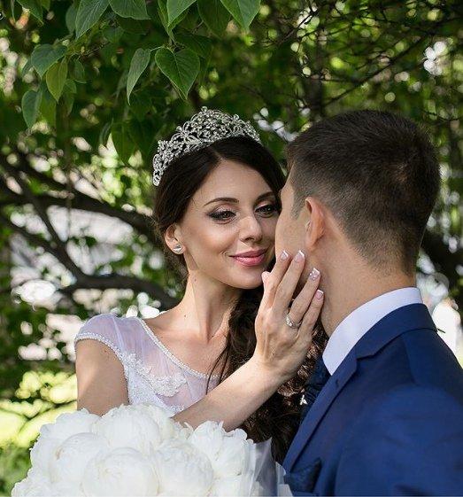 Оля Рапунцель поздравила мужа с днем рождения и годовщиной свадьбы