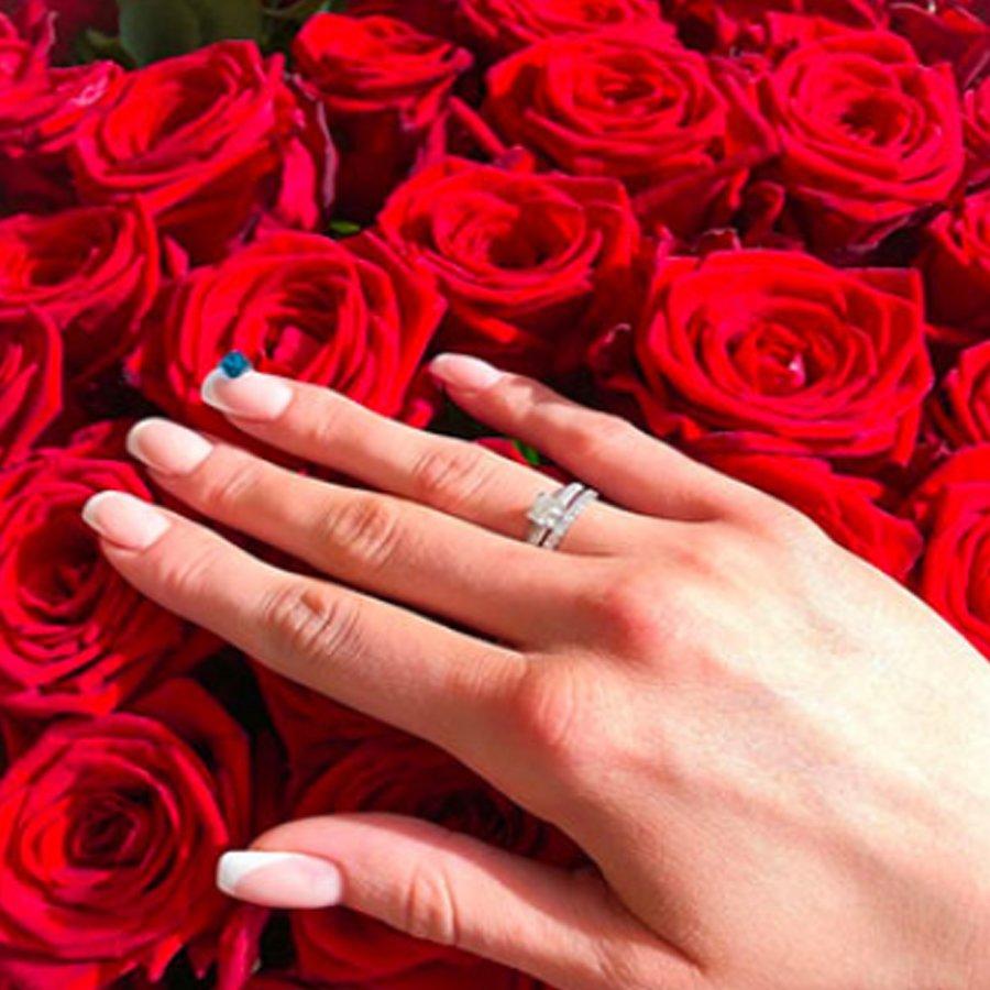 Кристина Дерябина ответила согласием на предложение выйти замуж
