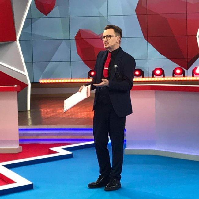 Влад Кадони был замечен во флирте с участницей телепроекта «Дом 2»