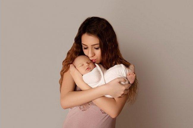 Фотосессия новорожденного сына Алёны Рапунцель и Ильи Яббарова Богдана