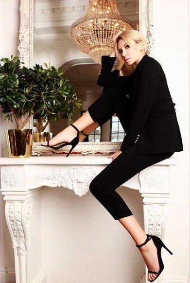 Фотосессия роковой красавицы Элины Камирен