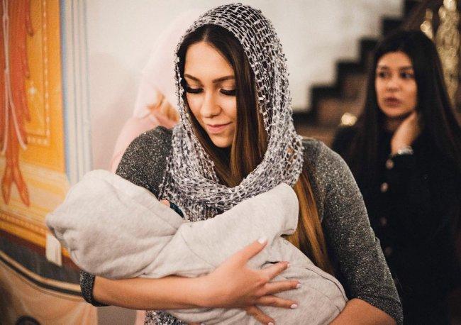 Фотоподборка с крещения сына Алёны Рапунцель и Ильи Яббарова Багдана