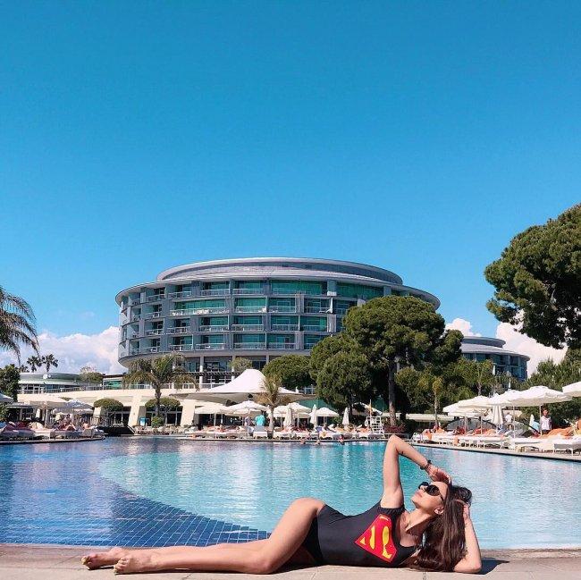 Экс-участница «Дом 2» Валерия Фрост на отдыхе в Турции
