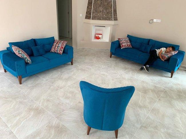 Рита Марсо показала мебель для новой виллы