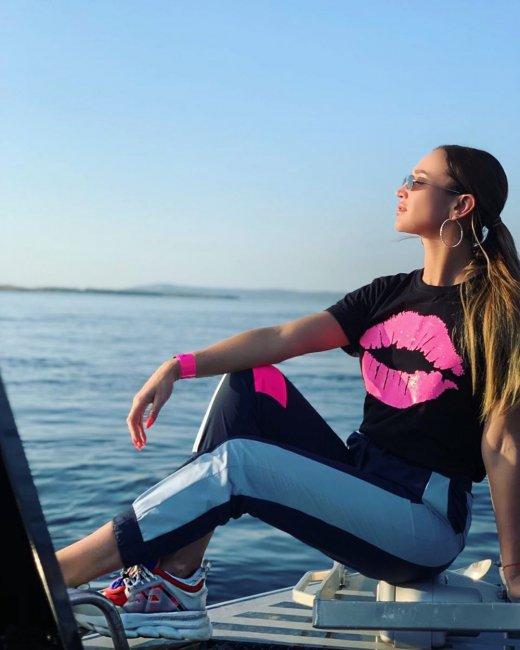 В сети появились предположения, что Ольга Бузова страдает анорексией