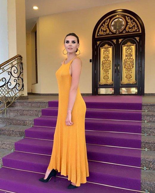Платье Эллы Сухановой вызвало ажиотаж в Сети