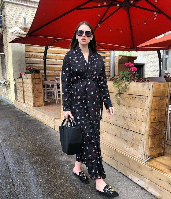 Беременная Саша Артемова решила изменить прическу