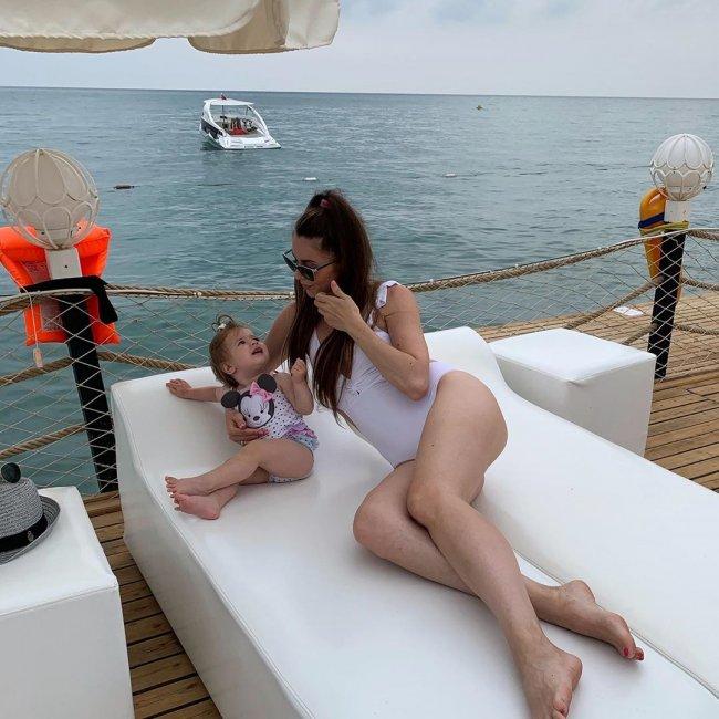 Ольга Рапунцель рассказала, как она любит моря, но не любит загорать