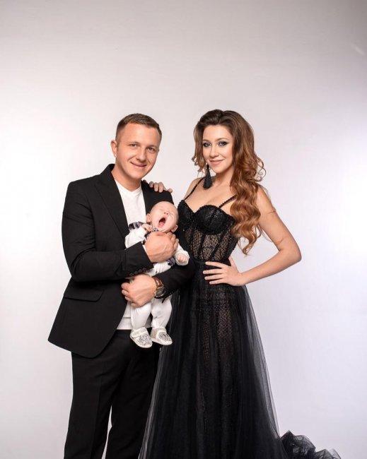 Фотосессия Алёны Рапунцель и Ильи Яббарова с маленьким Богданом