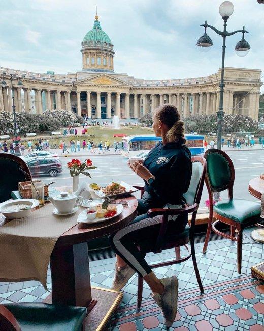 Фотоподборка экс-участницы «Дом 2» Лизы Полыгаловой