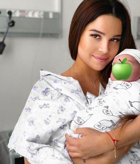 Катя Колисниченко рассказала, как кормит новорожденного сына