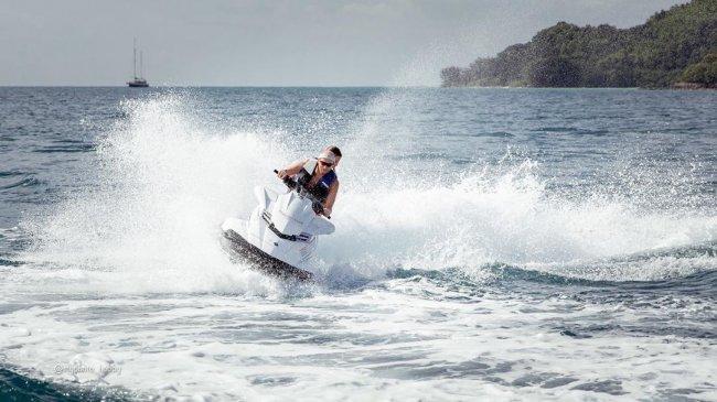 Фотосессия Артема Сороки и Насти Голд на водном мотоцикле
