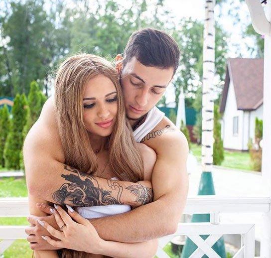 Фотоподборка счастливых Славы Потемкина и Насти Ивановой