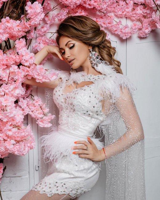 Пеньюар Жени Феофилактовой перепутали с вечерним платьем