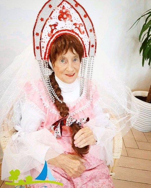 Бабушка Андрея Чуева неудачно упала и сломала ногу